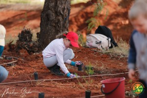 Tree planting day 2019 - Girl with red hat